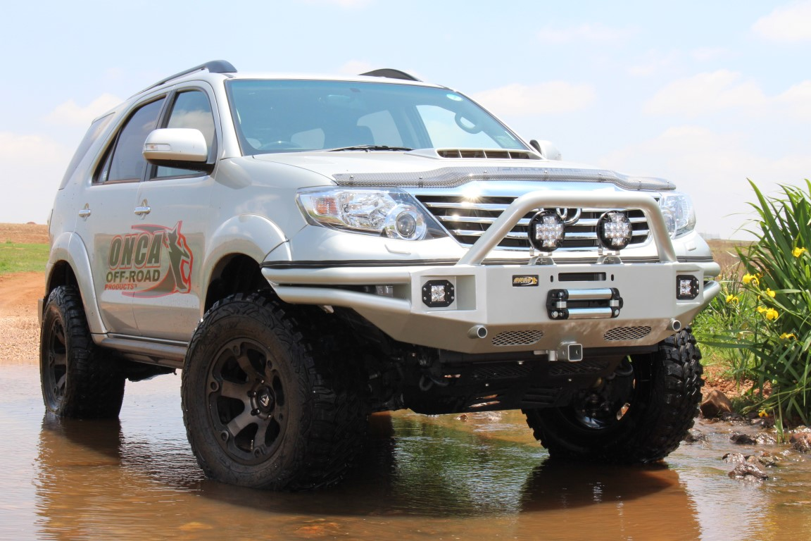 Cruiser Fj Toyota EXTREME NUDGE BAR (PROVISION FOR RIGID LED LIGHTS) (STD ...